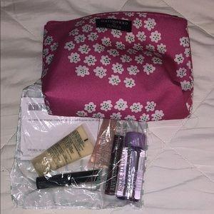 Marimeko for Clinique travel bag and five samples!